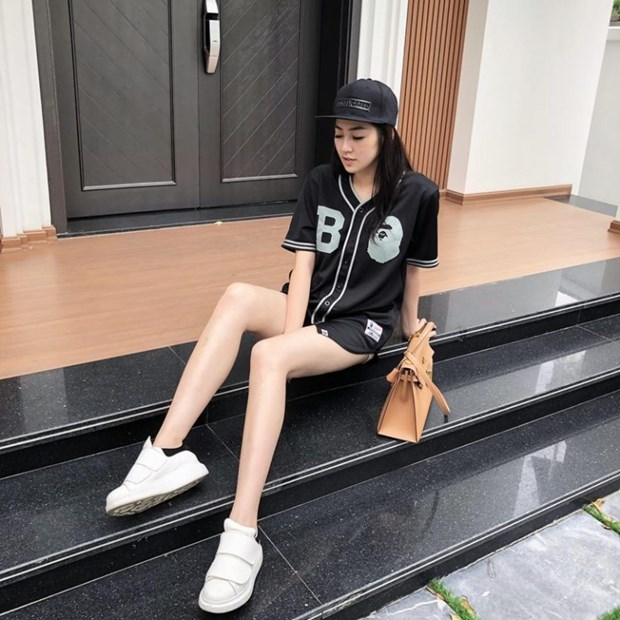 My nhan Viet khoe nhan sac dinh cao voi street style sanh dieu hinh anh 13