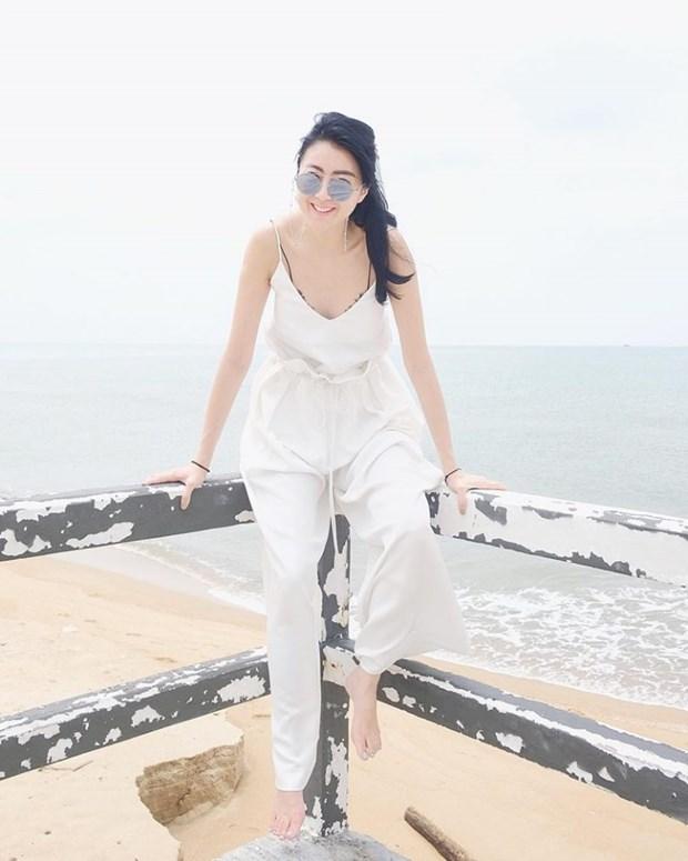 White-on-white: Tu khoa hot nhat tuan chinh phuc quy co thoi trang hinh anh 6