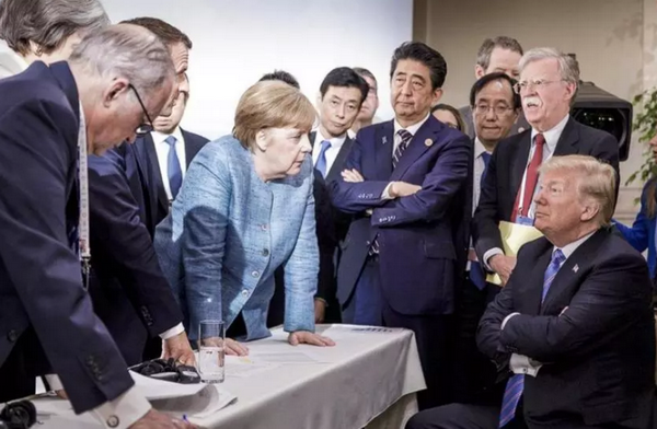 AP: Buc anh dat gia lot ta cang thang quanh hoi nghi G7 hinh anh 1