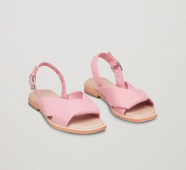 15 mau sandals cuc hot co the phoi voi nhieu trang phuc hinh anh 9