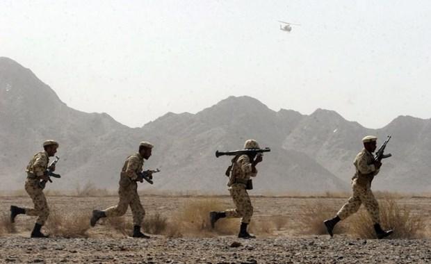 Luc luong tinh bao, an ninh Iran bat 27 nghi pham khung bo hinh anh 1