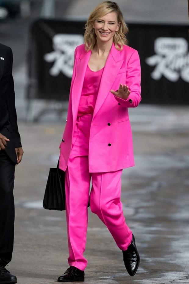 "Dien vien Cate Blanchett - ""Ba hoang"" cua nhung bo suit thoi thuong hinh anh 17"