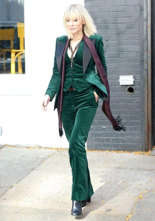 "Dien vien Cate Blanchett - ""Ba hoang"" cua nhung bo suit thoi thuong hinh anh 1"