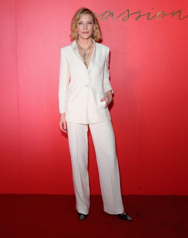 "Dien vien Cate Blanchett - ""Ba hoang"" cua nhung bo suit thoi thuong hinh anh 14"
