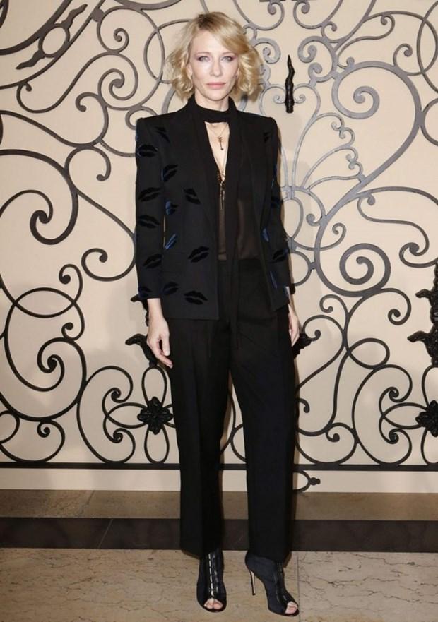 "Dien vien Cate Blanchett - ""Ba hoang"" cua nhung bo suit thoi thuong hinh anh 19"