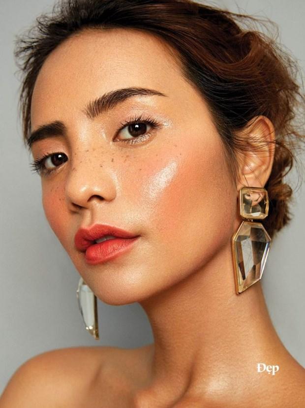 """Diem nhan hoan my tu nhung kieu makeup """"dep khong tuong"""" hinh anh 1"""