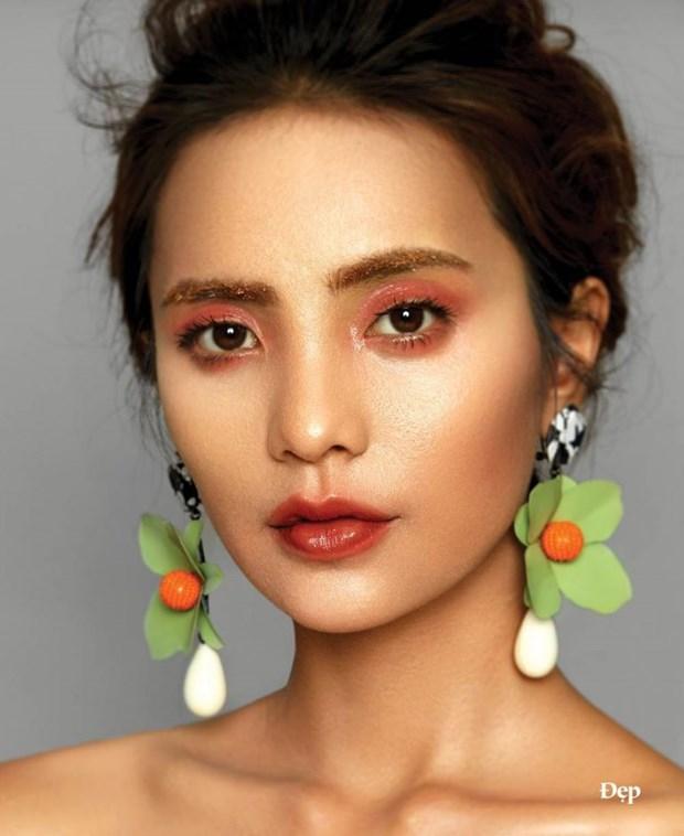"""Diem nhan hoan my tu nhung kieu makeup """"dep khong tuong"""" hinh anh 4"""