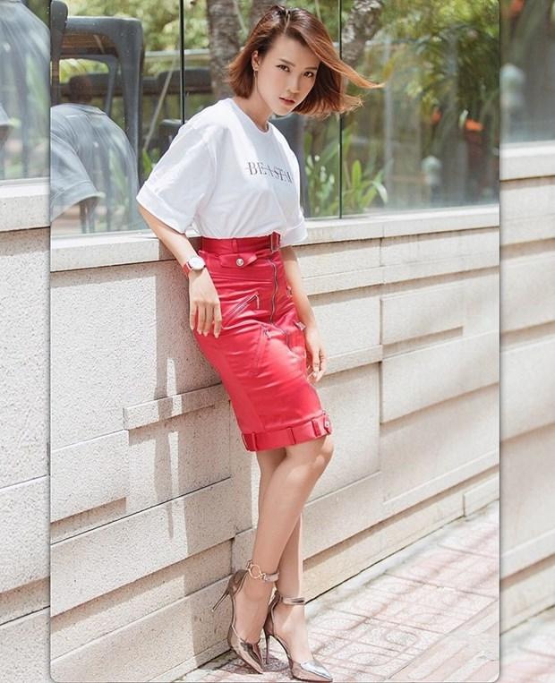 Ky Duyen va dan sao Viet khoe street style ngap tran hang hieu hinh anh 9