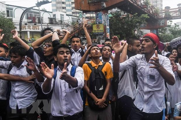 Canh sat Bangladesh bat giu gan 100 nguoi bieu tinh qua khich hinh anh 1