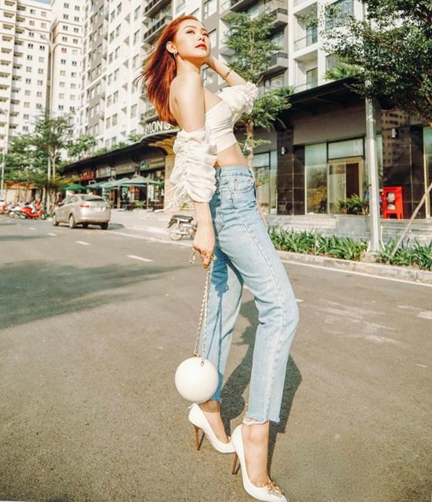 "Nhung diem sang trong ""ban tin"" street style cua my nhan Viet hinh anh 1"