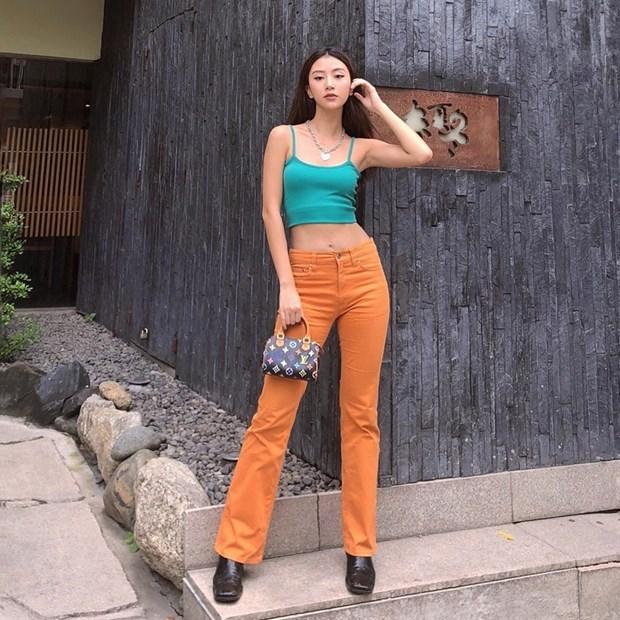 "Nhung diem sang trong ""ban tin"" street style cua my nhan Viet hinh anh 3"