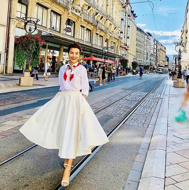 "Nhung diem sang trong ""ban tin"" street style cua my nhan Viet hinh anh 21"