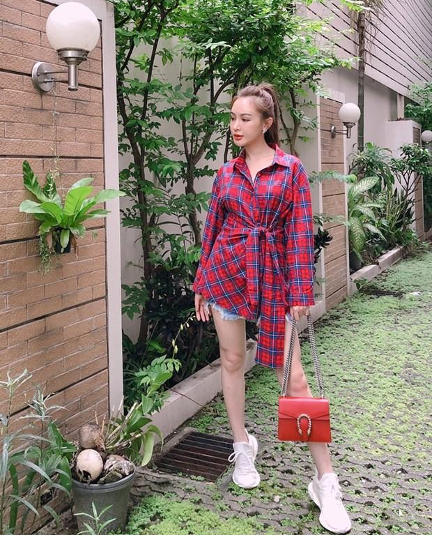 Ho Ngoc Ha sang chanh, Lan Khue dieu da trong street style dip le hinh anh 10
