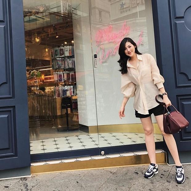Ho Ngoc Ha sang chanh, Lan Khue dieu da trong street style dip le hinh anh 15