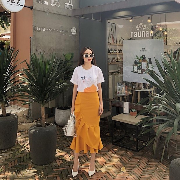 Ho Ngoc Ha sang chanh, Lan Khue dieu da trong street style dip le hinh anh 16