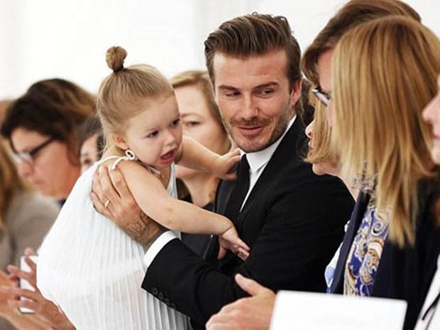 Dai gia dinh Beckham tro thanh tam diem tai Tuan le thoi trang London hinh anh 5
