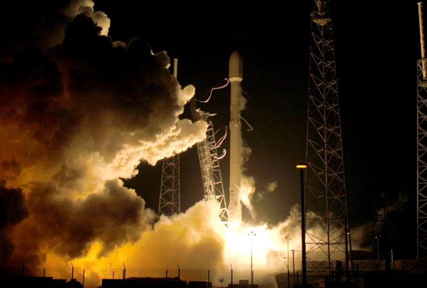 Cong ty Nhat Ban ky thoa thuan tham hiem Mat Trang voi SpaceX hinh anh 1