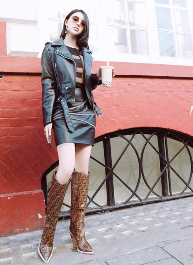 "Hoa hau My Linh, Jolie Nguyen khoe street style du lich ""sang chanh"" hinh anh 3"