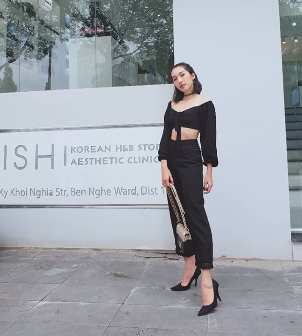 "Hoa hau My Linh, Jolie Nguyen khoe street style du lich ""sang chanh"" hinh anh 20"