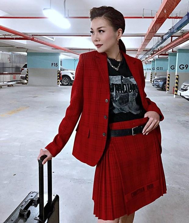 "Hoa hau My Linh, Jolie Nguyen khoe street style du lich ""sang chanh"" hinh anh 6"