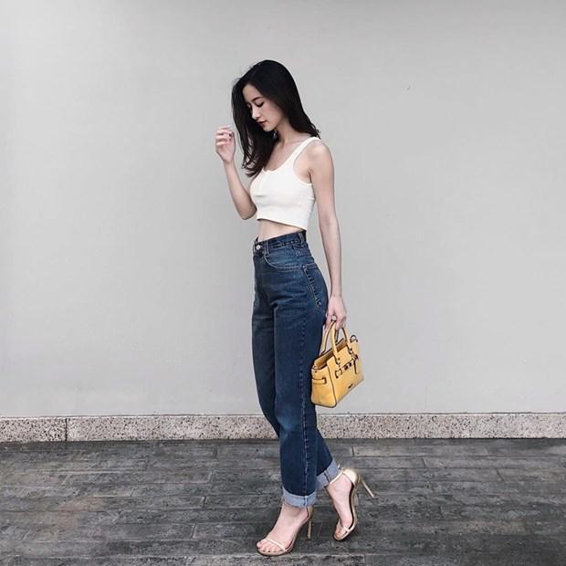 "Hoa hau My Linh, Jolie Nguyen khoe street style du lich ""sang chanh"" hinh anh 12"