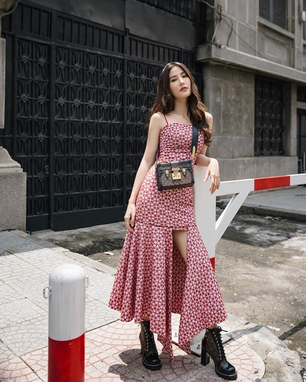 Thanh Hang, Ha Tang va dan my nhan ghi diem voi street style an tuong hinh anh 7
