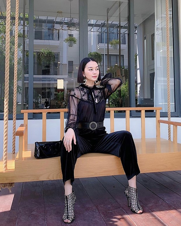 Thanh Hang, Ha Tang va dan my nhan ghi diem voi street style an tuong hinh anh 10