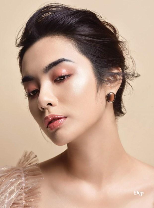 So huu lop makeup hong ngot lim chi voi ba san pham makeup hinh anh 2