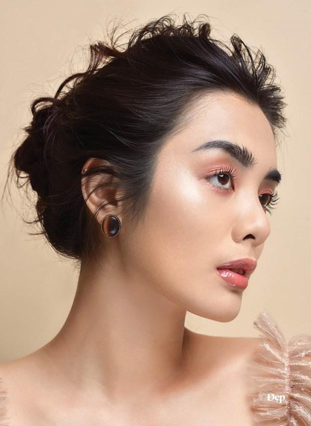 So huu lop makeup hong ngot lim chi voi ba san pham makeup hinh anh 3