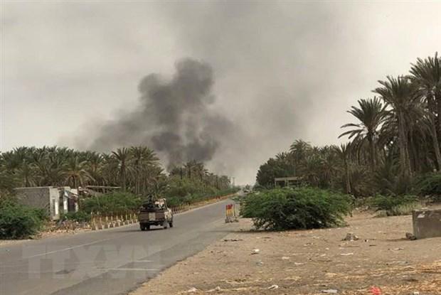 Chien su leo thang tai Yemen, 80 nguoi tu vong chi trong 24 gio hinh anh 1