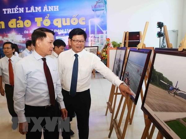 "Thong tan xa Viet Nam khai mac trien lam anh ""Bien dao To quoc"" hinh anh 1"