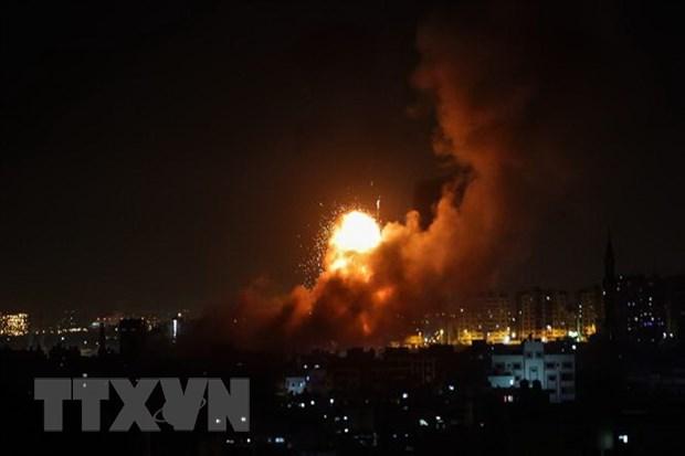 SOHR: Israel khong kich nhieu muc tieu gan thu do cua Syria hinh anh 1