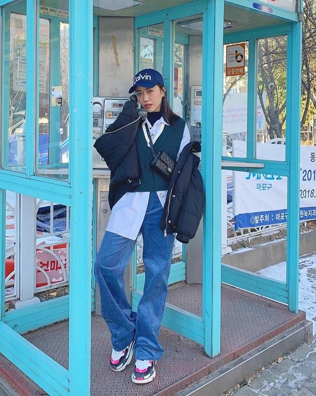 Ngay dong khong lanh voi street style vua am vua chat cua sao Viet hinh anh 4