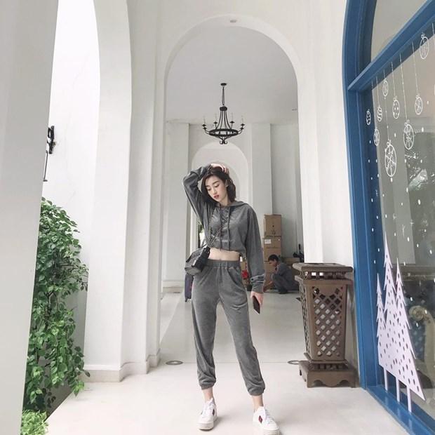 Ngay dong khong lanh voi street style vua am vua chat cua sao Viet hinh anh 11