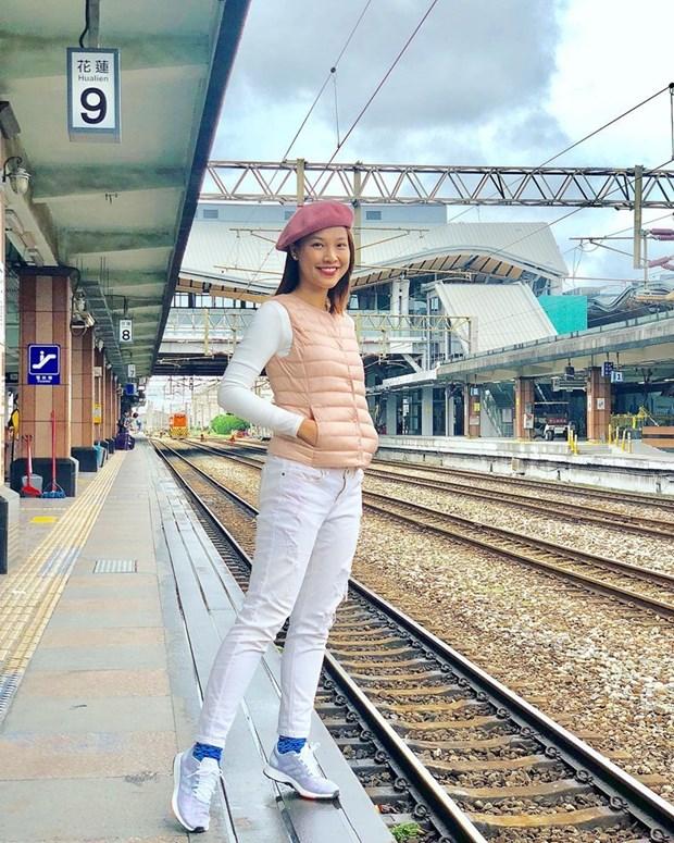 Dai tiec street style cua dan sao Viet truoc them Tet Nguyen dan hinh anh 24