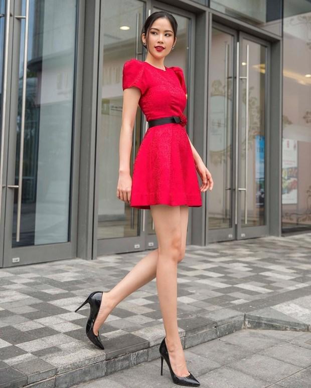 Dai tiec street style cua dan sao Viet truoc them Tet Nguyen dan hinh anh 23