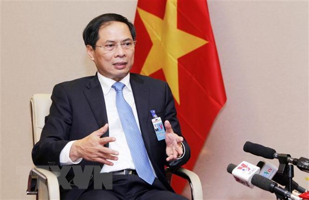 Dac phai vien cua Thu tuong Nguyen Xuan Phuc tham Phap hinh anh 1