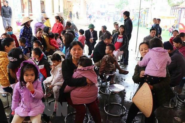 [Video] Dung lay mau xet nghiem san lon cho tre em tai Bac Ninh hinh anh 1