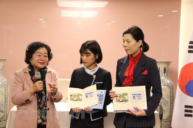 Nguyen Pho Chu tich nuoc Truong My Hoa tham su quan Viet Nam tai Seoul hinh anh 2