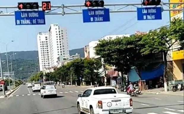 Vu doan xe vuot den do tai Da Nang: Tuoc giay phep lai xe 2 thang hinh anh 1