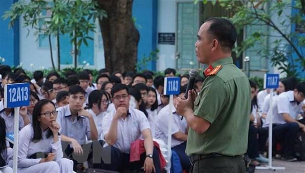 Bo Giao duc va Dao tao: Tang giai phap phong chong bao luc hoc duong hinh anh 1