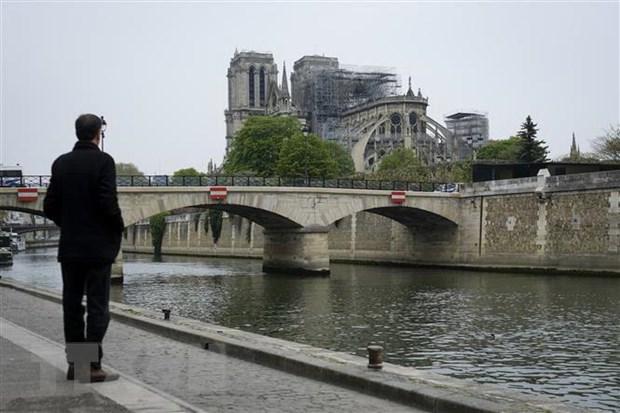 [Video] Phap: Nha tho Duc Ba Paris khong duoc bao hiem hinh anh 1