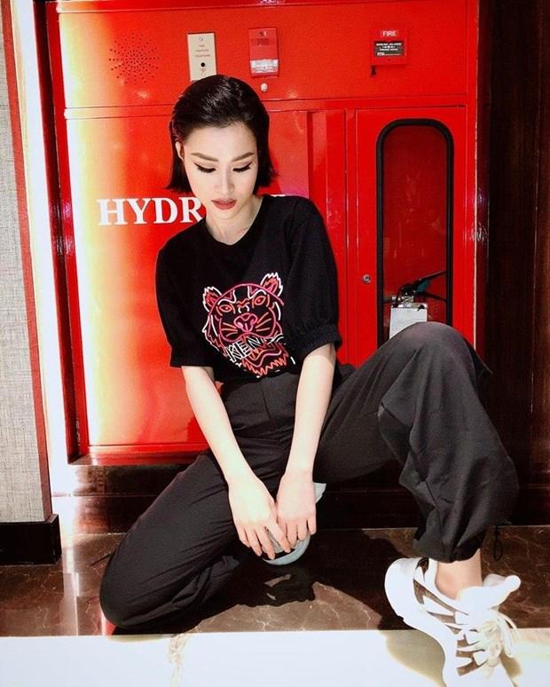 Cung ngam street style phong khoang cua my nhan Viet hinh anh 13