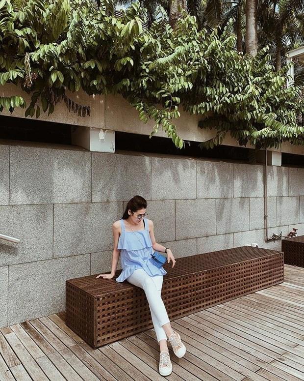 Cung ngam street style phong khoang cua my nhan Viet hinh anh 18
