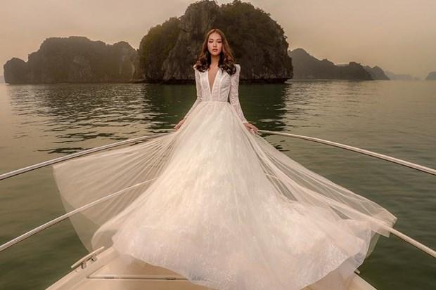 Rung dong truoc thiet ke vay cuoi dep nhu mo cua Chung Thanh Phong hinh anh 3