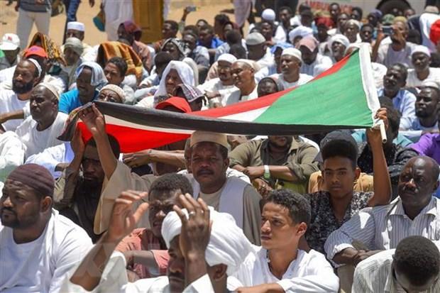 Sudan: Phong trao bieu tinh ra yeu sach moi voi hoi dong chuyen tiep hinh anh 1