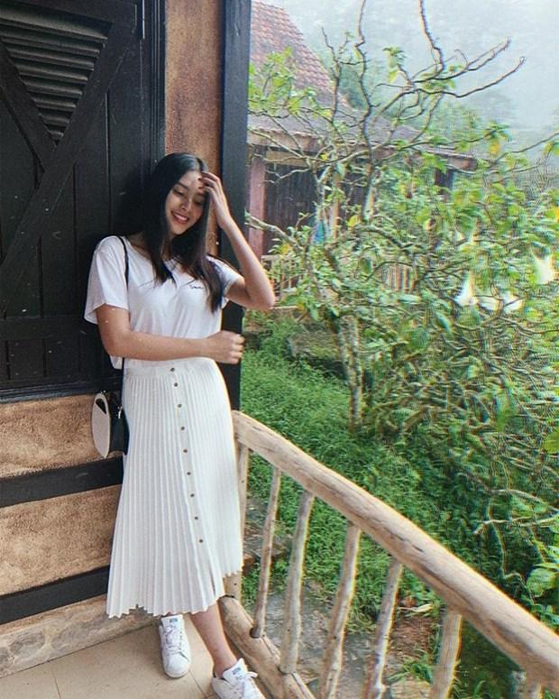 Diep Lam Anh bau bi van sexy, Chi Pu va Minh Hang goi cam het muc hinh anh 22