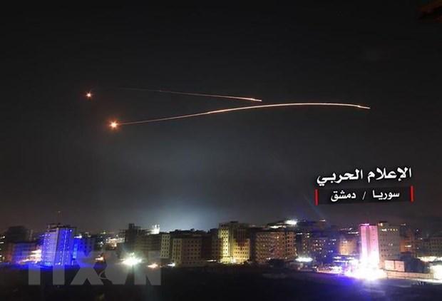 Israel tan cong ten lua vao khu vuc bien gioi o mien Nam Syria hinh anh 1
