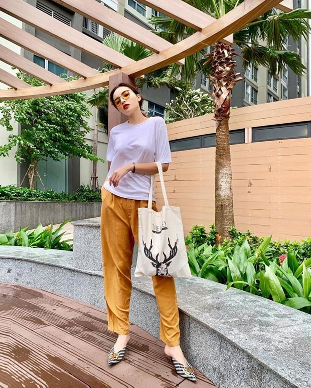 Man nhan voi street style khoe eo thon dang chuan cua my nhan Viet hinh anh 8