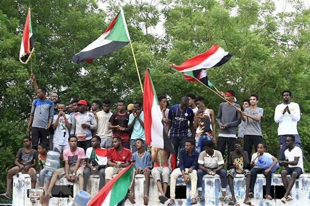 Sudan: Phe doi lap de cu thu tuong cho chinh phu chuyen tiep hinh anh 1